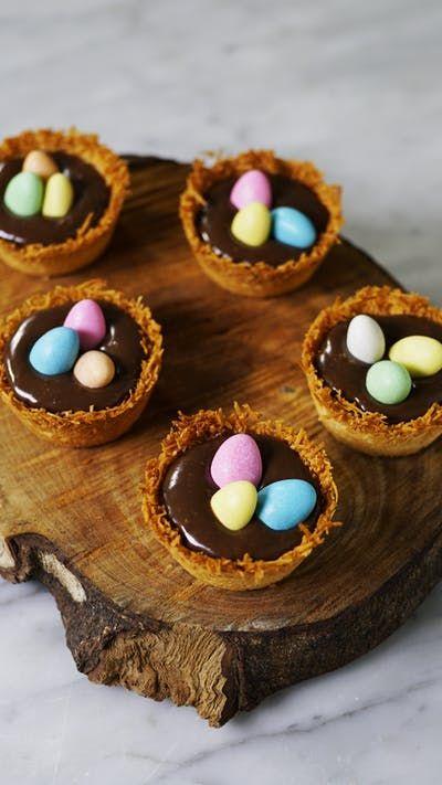 A páscoa fica muito mais gostosa e divertida com essas cestinhas de coco recheadas com creme de chocolate!