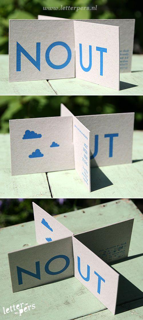 letterpers_letterpress_geboortekaartje_nout_kruis_gevouwen_grijskarton_blauw_bijzonder