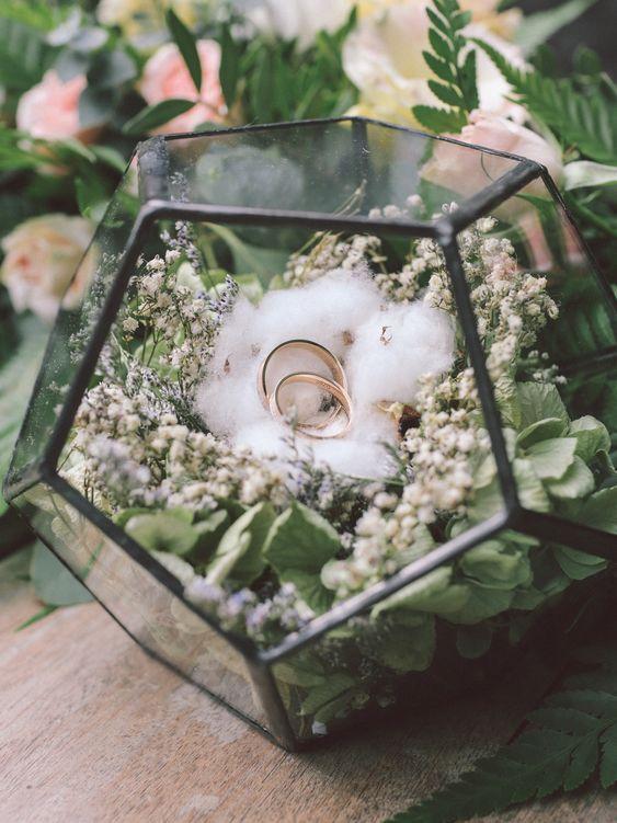 Terrarium ring box geometric wedding decor