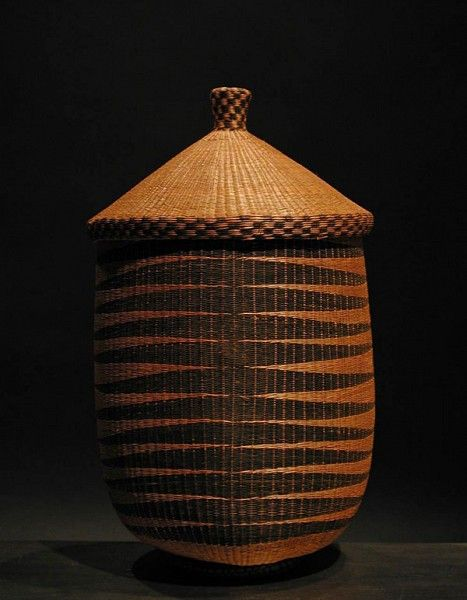 Africa | Antique Tutsi basket.  Post 1960.