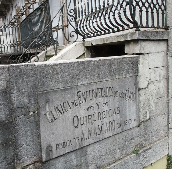 Placa Clínica desapareguda, Lisboa. foto miquel