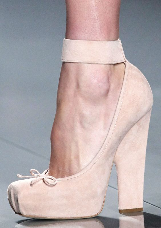 obsessing over these Dior ballet-inspired heels.