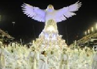 Unidos da Tijuca e Beija Flor de Nilópolis dominam o segundo dia de desfiles no Rio
