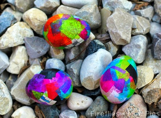 Papier m ch easter eggs eggs paper mache and easter for Papier mache rocks