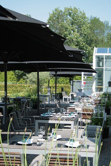 De Kas restaurant & nursery is located in a set of greenhouses wich date back to 1926 and used to belong to the Amsterdam Municipal Nursery.