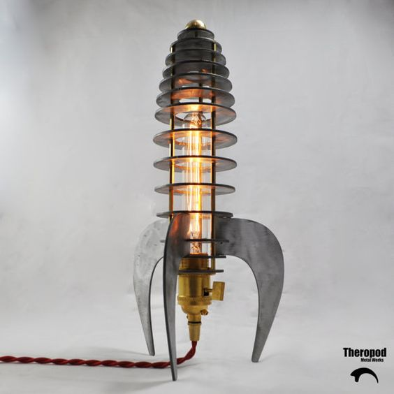 Rocket Lamp by Theropod Metal Works von TheropodMetalWorks auf Etsy