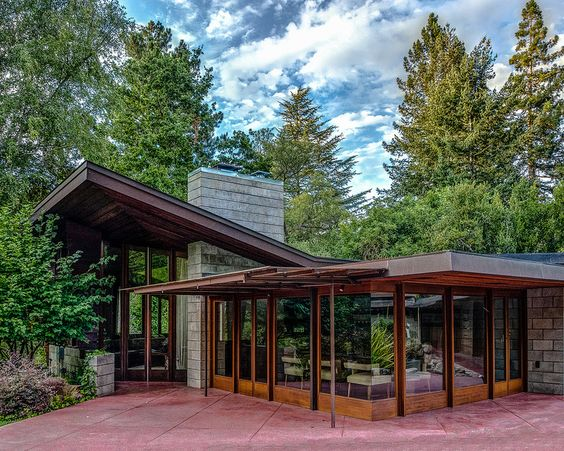 Usonian photos and frank lloyd wright on pinterest for Frank lloyd wright california