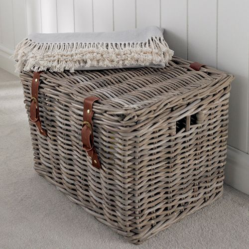 Fisherman S Wicker Basket Large At Chunky Lidded