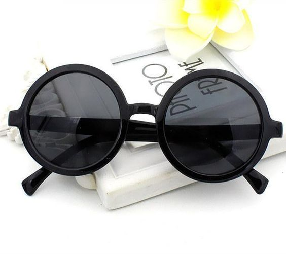 loomrack Classic Round Frame Sunglasses Sunglasses Black
