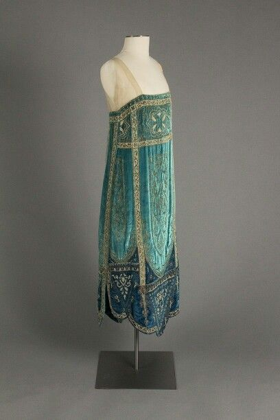 Callot Soeurs, evening dress, teal silk velvet with glass beading and metallic thread, ca.1926, Fox Collection, Philadelphia