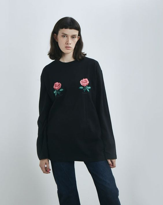 Aymmy in the Batty Girls Diner Rose Big T-shirt