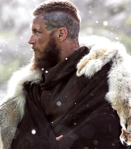 Ragnar lothbrok hair season 3