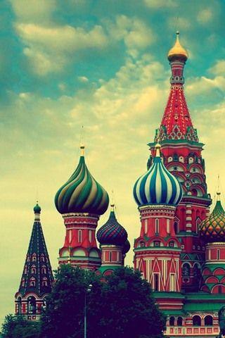Kremlin, Moscow  SO CIRCUS LIKE