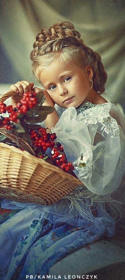 Russian professional wedding and child photographer Natalia Zakonova lives in St. Petersburg