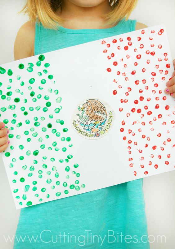 Mexican Flag Craft for Kids.  Perfect way to study Mexico or celebrate Cinco de Mayo with your toddler, preschooler, or elementary child.