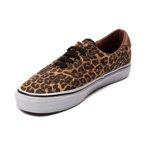 Classic vulcanized shoe from Vans that's perfect for skating or everyday wear. The Vans 59 features a leopard print canvas upper with leather heel contrast, padded collar, and vulcanized waffle outsole.