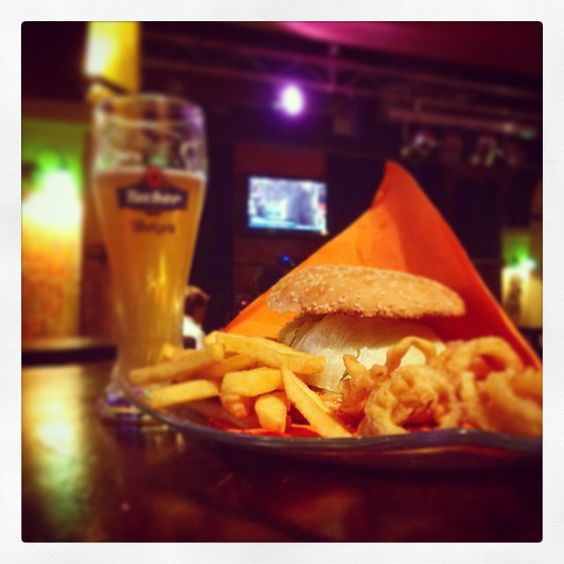 Donegal Cagliari #tucher #birra #burger #night #fun #live #cagliari #food #good #movida #chips