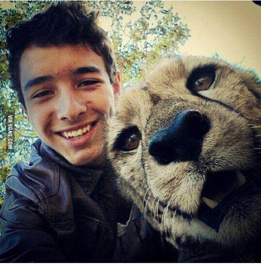 Crazy and Wild selfies with wildlife animals