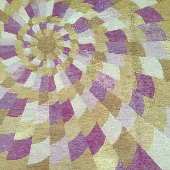 #EmmaGardner geometric rug.