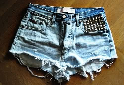 short customizado com tachinhas