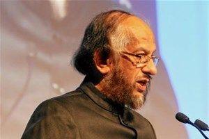 Rajendra Kumar Pachauri est le président du Groupe d'experts intergouvernemental sur l'évolution du climat (GIEC) depuis 2002. Il est aussi le président de l'Istitut de l'énergie et des ressources idiennes (TERI).  Source : http://www.vedura.fr/personnalite/rajendra-pachauri