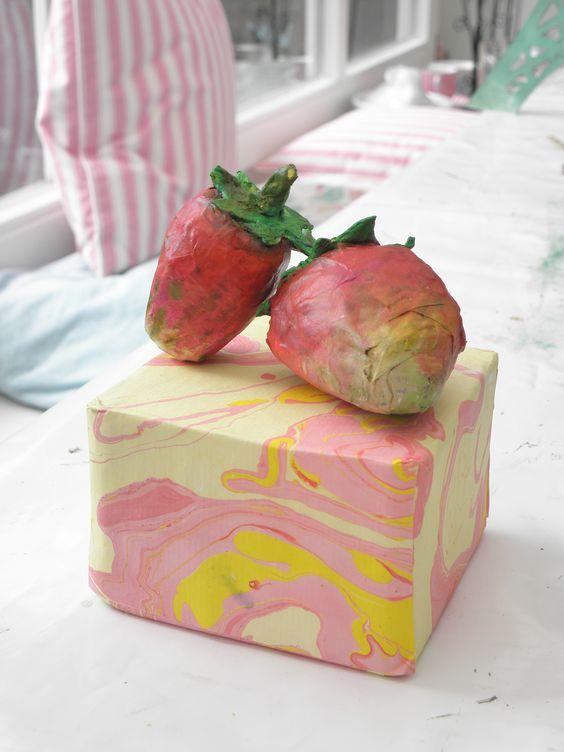 Seeligkeitssachen, Erdbeeren aus Papiermaché, #papermache #erdbeeren #strawberries #handmade #papier