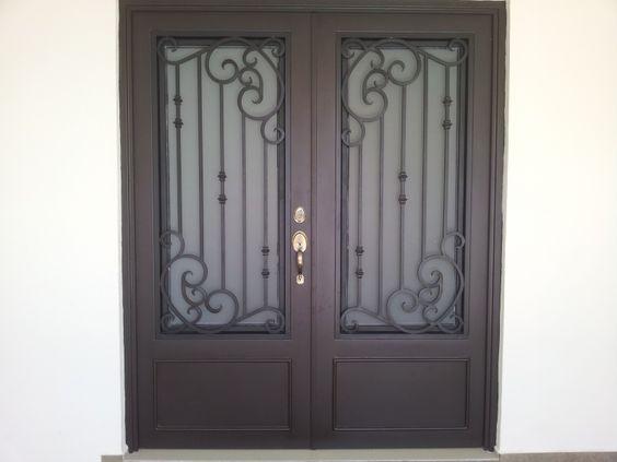 Puertas principales de forja herreria y forja ideas para for Puertas de madera con herreria
