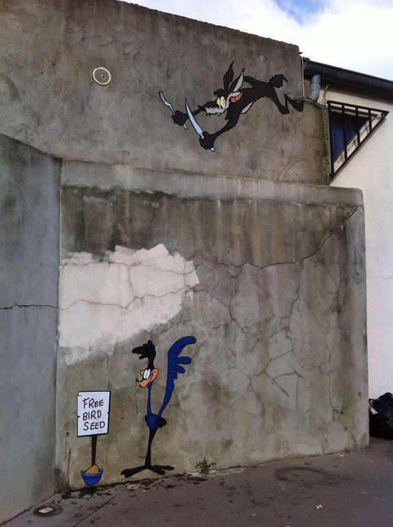 "Street art | Mural ""Bip Bip et Coyote [Road Runner and Wile E. Coyote]"" (Boulogne-Billancourt, Paris, France) by memeIRL"