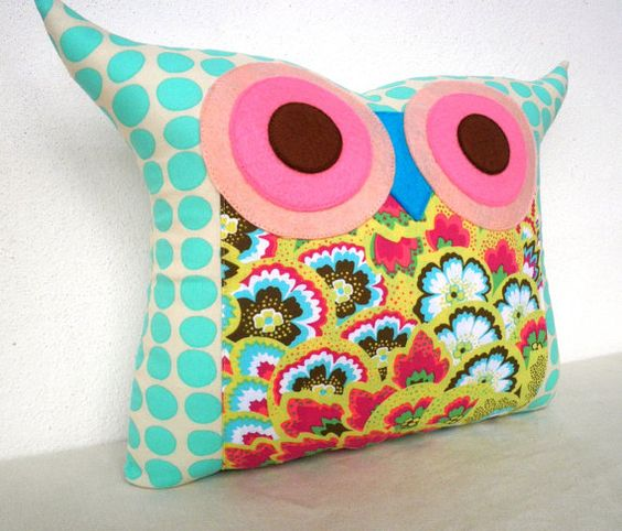 Owl pillow, too stinking cute