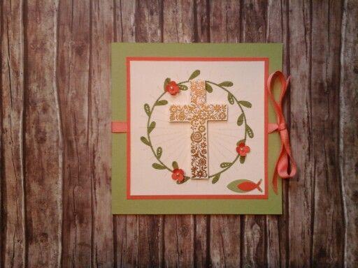 Karte zu Kommunion Kreuz und Strahlen embossed in Gold bzw. Transparent, in den Farben Farngrün und Calypso