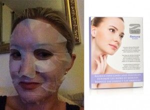 Silk'n Renuva Mask hydrates skin and the sheet doesn't slide around.