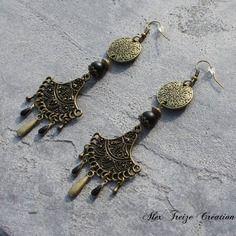 Bijou créateur - boucles d'oreilles ethniques bronze intercalaires chandeliers antiques breloques gouttes perles et sequins émaillé noir