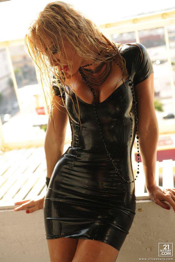 Model: Sandy Fantasy. For: 21 Sextury.