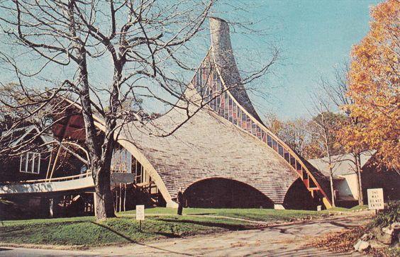United Church of Rowayton, Joseph Salerno Architect, 1962 / o projeto ganhou O projeto ganhou o premio do Instituto Americano de Arquitetos em 1963