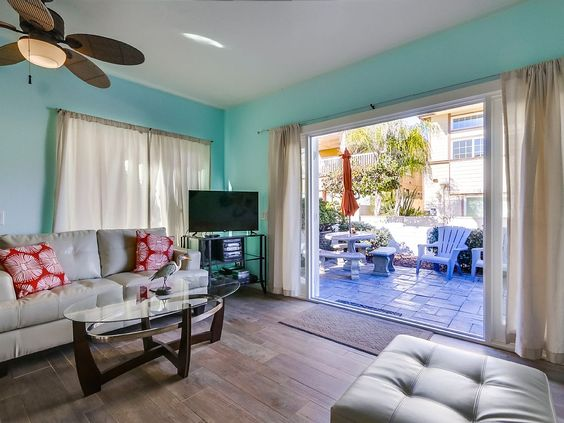 VRBO.com #799909 - 2BR Beach House W/ Private Front Patio and Bbq!