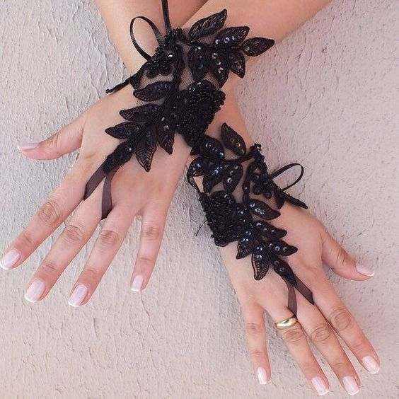 Black Lace gloves ❤️ handmade Bridal gloves, gothic Lace gloves♠️