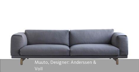 """Das Sofa """"Rest"""" wurde von den Designern Anderssen & Voll für das dänische Unternehmen Muuto entworfen. Das Sofa besteht aus Polstern aus Kaltschaum und Daunen, die Füße sind aus naturbelassenem Eichenholz. Die Bezüge haben einen Reißverschluss, sind abziehbar und können in der Waschmaschine gewaschen werden. Neben dem Bezug """"Remix"""" stehen auf Anfrage noch die Stoffe """"Hallingdal"""" und """"Steelcut Trio"""" vom Hersteller Kvadrat zur Auswahl. Das Sofa """"Rest"""" ist als Zwei-, Dreisitzer und als Pouf ..."""