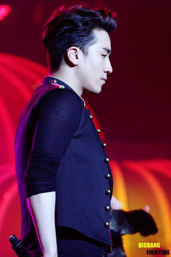 Seungri so handsome งืออออ ทะไมหล่อ >< Cr.On Pic