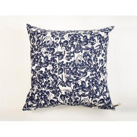 Almohadon Selva Indigo. Cushion for kids. A la venta en www.decohunt.com