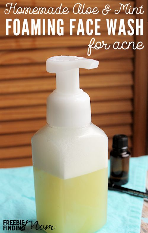 Do you or someone you know suffer from acne? Before you buy those expensive face washes take a few minutes and whip up this Homemade Aloe & Mint Foaming Face Wash for Acne. This all natural homemade face wash for acne combines lavender essential oil (an effective acne fighting ingredient) with a handful of other ingredients that will leave your skin feeling soothed, cleaned and moisturized.
