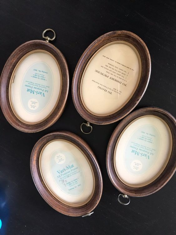 Vintage Oval 5x7 Plastic Picture Frame Gold And Wood Tone Etsy Plastic Picture Frames Picture Frames Gold Wood