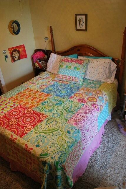 You've wondered, I've wondered...what if I just sew a bunch of fat quarters together?       http://www.newgreenmama.com/2011/05/fat-quarter-quilt-part-2.html
