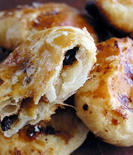Traditional British Recipe: Eccles Cakes - http://www.thekitchn.com/traditional-british-recipe-ecc-112645#