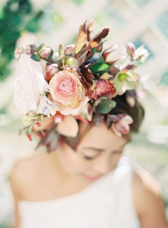 Love the headpiece. Photo by Jen Huang