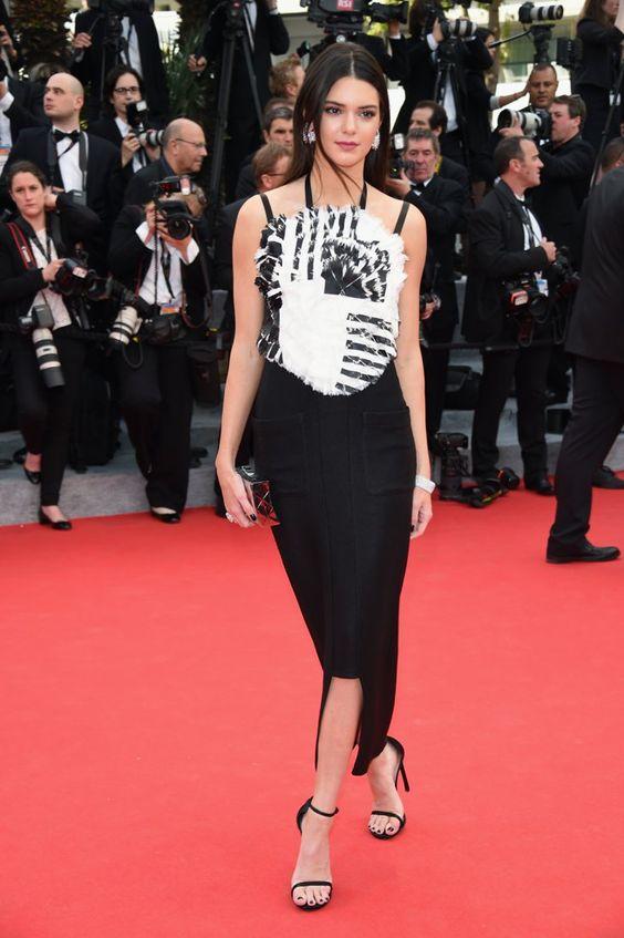 Pin for Later: Julianne Moore regiert auf dem Filmfestival in Cannes Kendall Jenner auf der Grace of Monaco-Premiere Kendall Jenner in Chanel, Chopard-Schmuck und Stuart Weitzman-Schuhen auf der Eröffungsfeier von Cannes, bei der Premiere von Grace of Monaco.