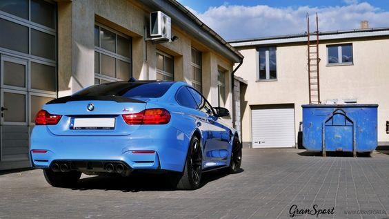 W naszym serwisie gościliśmy BMW M4 w niesamowitym kolorze Yas Marina Blue. Pomimo ciekawego koloru, w aucie brakowało wyróżniających je dodatków oraz odpowiedniego. sportowego brzmienia. Receptą okazały się carbonowe elementy aerodynamiczne Scope oraz układ wydechowy Remus Cat-back.  Więcej informacji na naszym blogu: http://gransport.pl/blog/realizacja-bmw-m4-remus-scope/  GranSport - Luxury Tuning & Concierge http://gransport.pl/index.php/