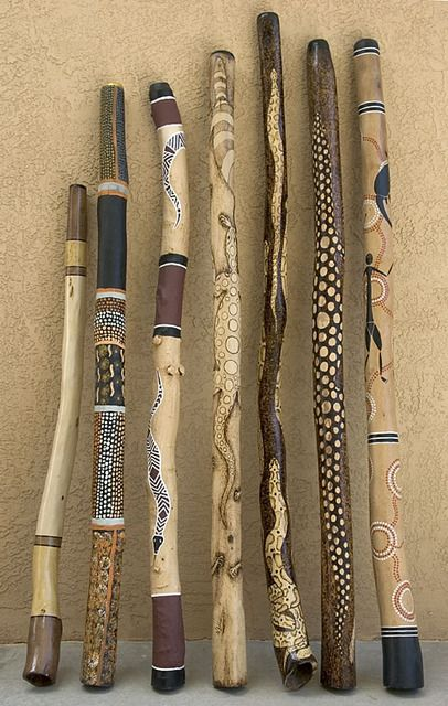 Broom Handle Inspiration African Art Inspired Walking Sticks.  These would be fun to make with the Grandkids.  Paint or Woodburn.
