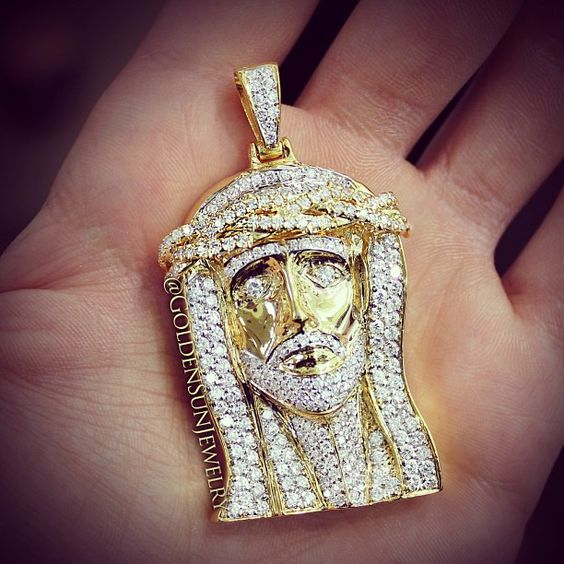 New diamond Jesus piece. Solid 14kt. Yellow Gold with pave set Russian cut diamonds. @goldensunjewelry #goldensunjewelry #wshh #russiancut #religion #religious #religiousjewelry #diamond #diamondpiece #diamondpendant #pendant #jesus #jesuspiece #flawless #fashion #fashionista #hiphop #jewelry #kilogang #gold #luxury #lavish #certified #bling #blingbling #couture #bespoke #designer #detroit #crispy