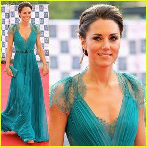 Another stunning dress on the Duchess of Cambridge. I wish I had her wardrobe
