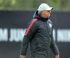 Blog Esportivo do Suíço:  Inter oficializa saída de Falcão após 5 jogos sem vitória no comando do time
